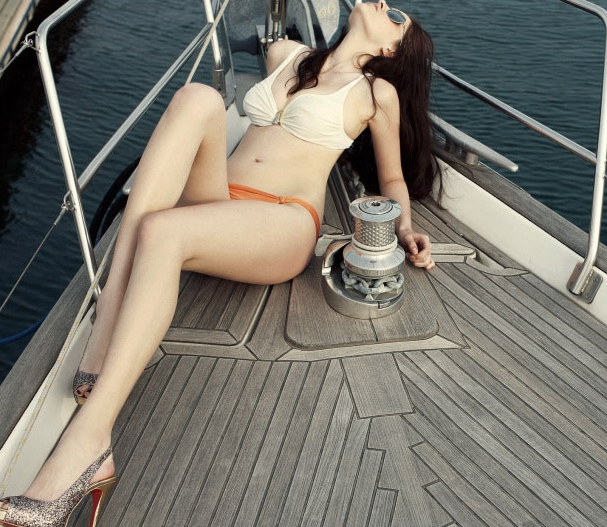 游艇比基尼美女大片