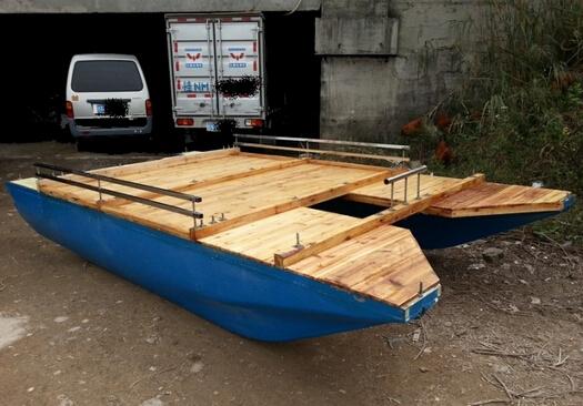 重70公斤左右.不锈钢架压泡,外包两层环氧树脂.平台横梁全木.图片