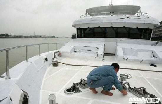 如何辨别伪劣钓鱼艇?